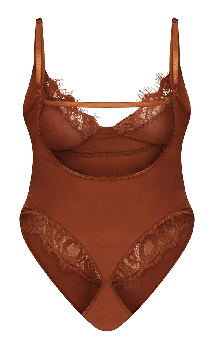 Plus Chocolate Lace Stripe Cup Detail Body 6