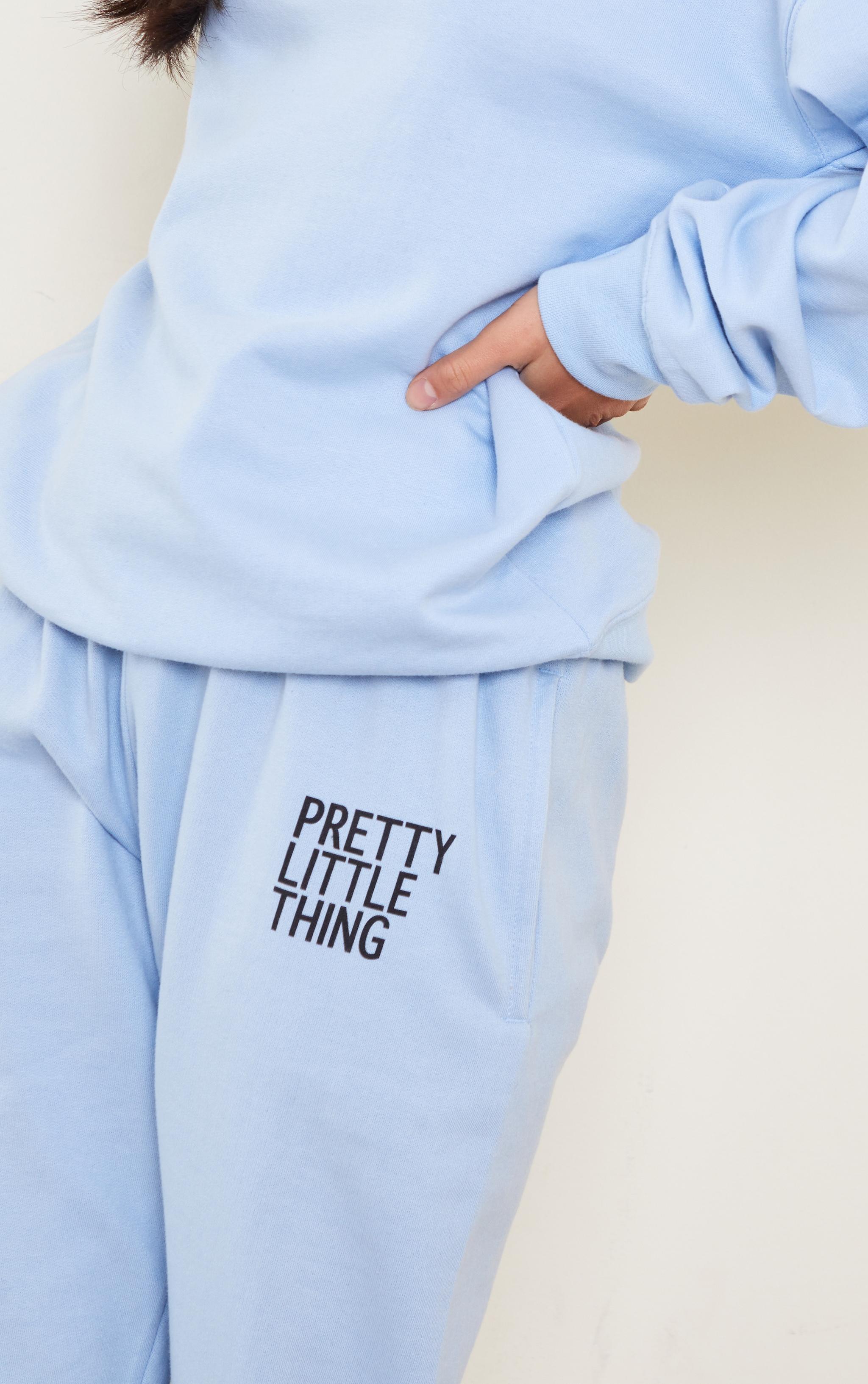 PRETTYLITTLETHING Petite Blue Oversized Joggers 4