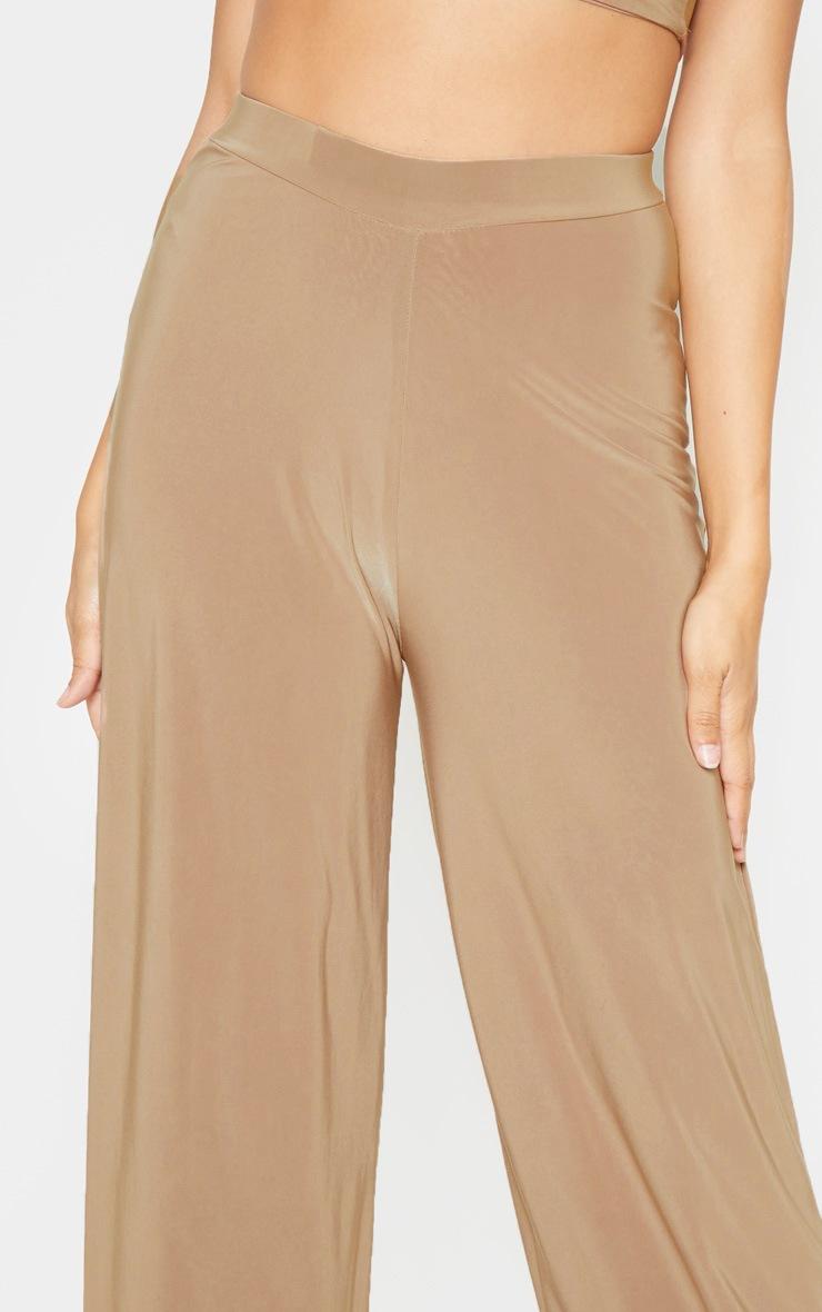 Pantalon camel évasé à taille cintrée 5