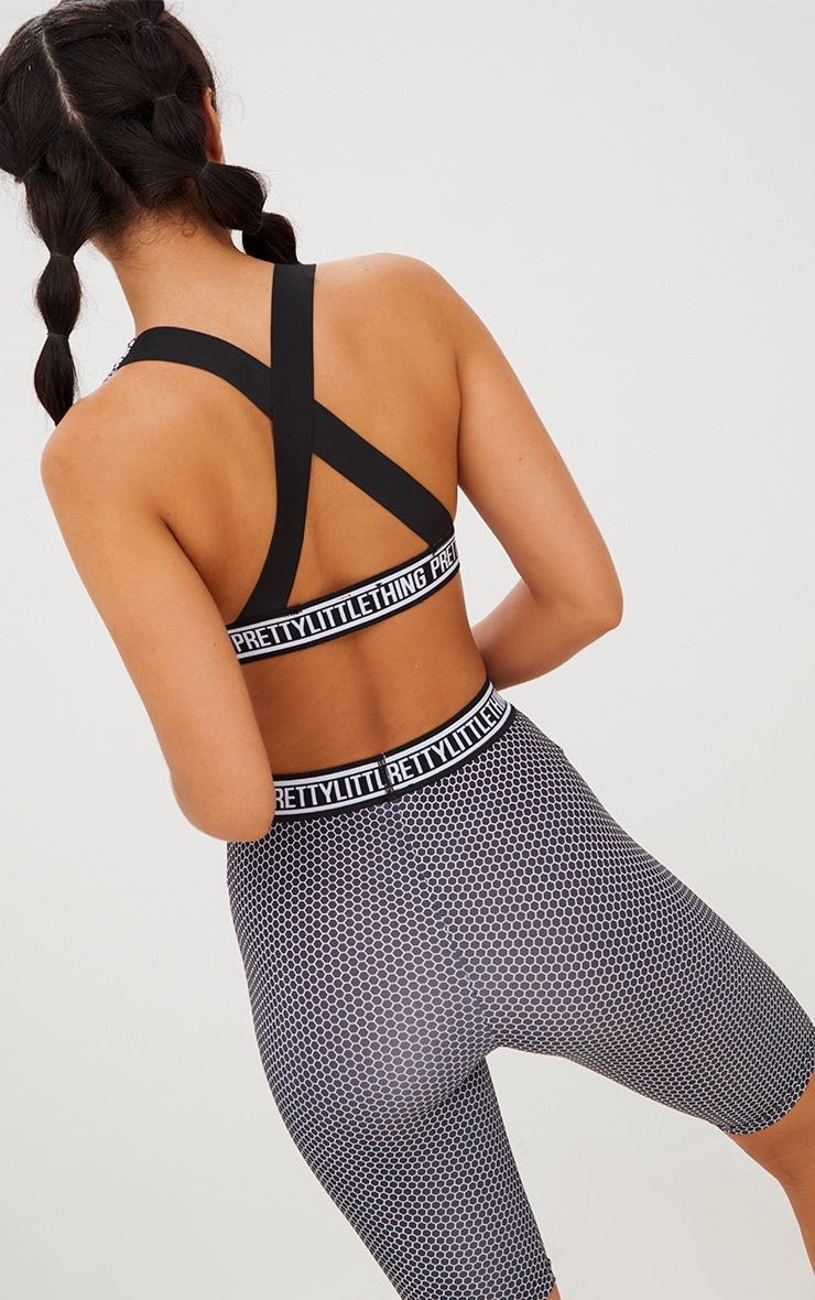 PRETTYLITTLETHING White Plunge Circle Print Crop Top 3