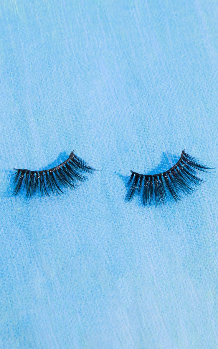 Land of Lashes Honey Invisible Band False Lash  2