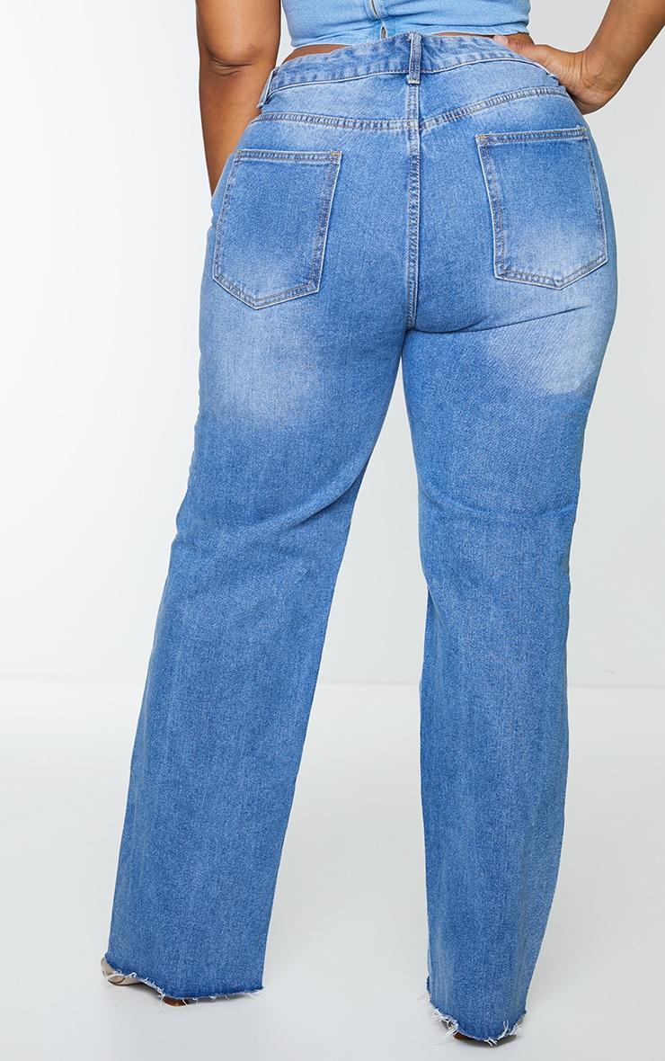 PRETTYLITTLETHING Plus Mid Blue Wash Long Leg Straight Jean 3