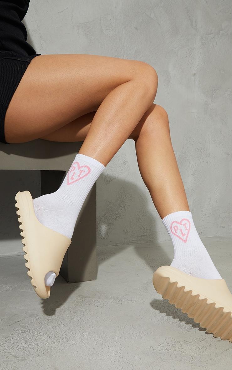 PRETTYLITTLETHING White Heart Ankle Socks 2