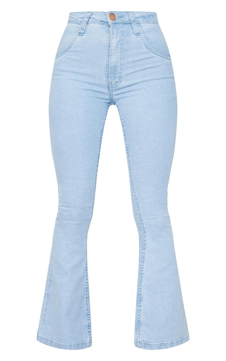 بنطال جينز بقصة واسعة من الدنيم المطاطي بلون باهت فاتح مقاس صغير 5