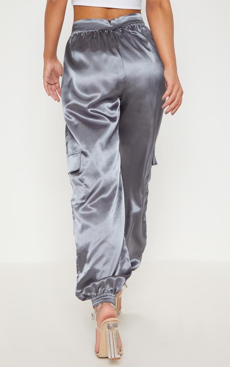 Petite- Pantalon de jogging cargo satiné gris anthracite 4