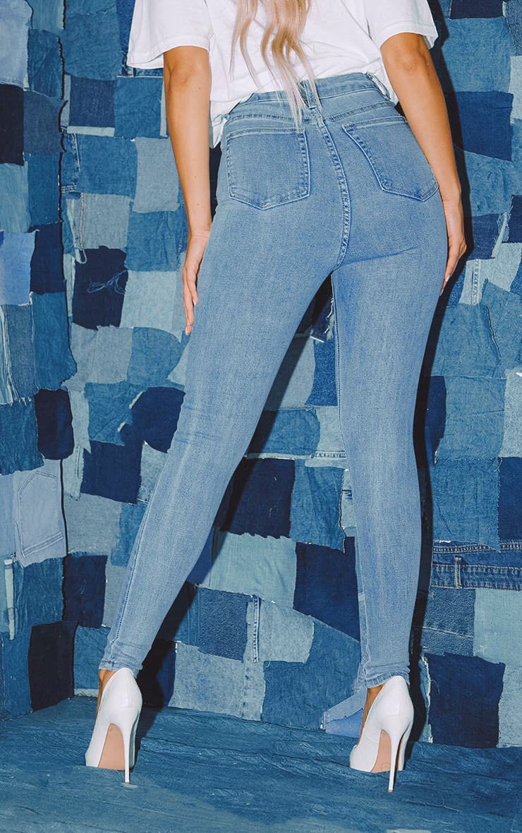 PRETTYLITTLETHING Light Wash Distressed 5 Pocket Skinny Jean  4