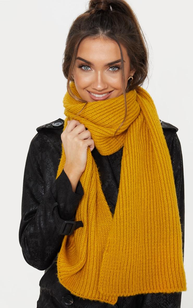 Echarpe tricotée côtelée moutarde