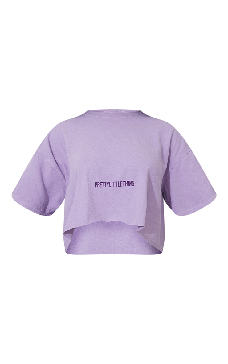 PRETTYLITTLETHING Lilac Small Text Print Washed Crop T Shirt 5
