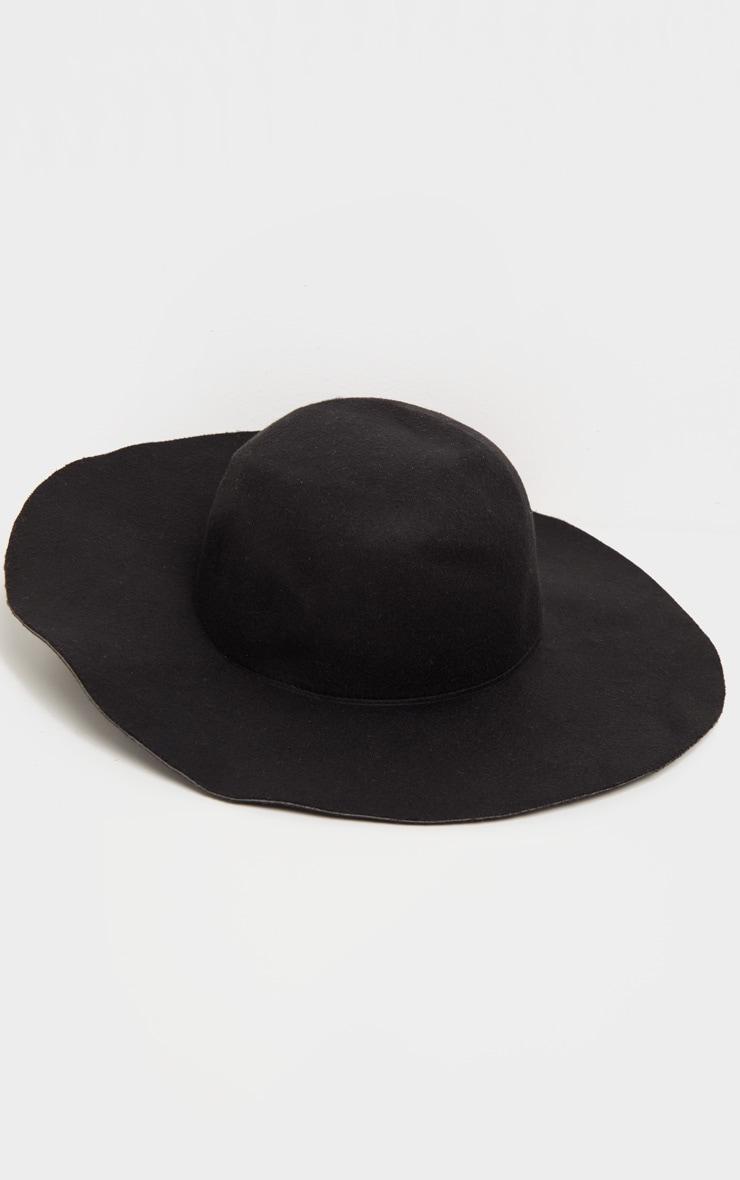 Chapeau noir à rebords mous  2
