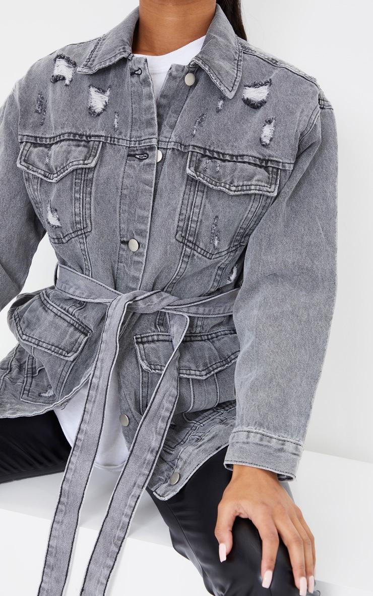 Veste en jean gris délavé style cargo à taille nouée et détail poches 4