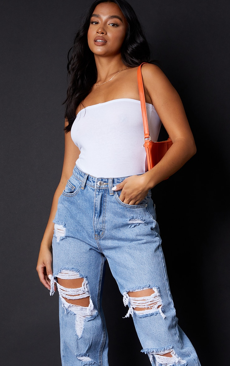 PRETTYLITTLETHING Petite Light Blue Wash Ripped Mom Jeans 4