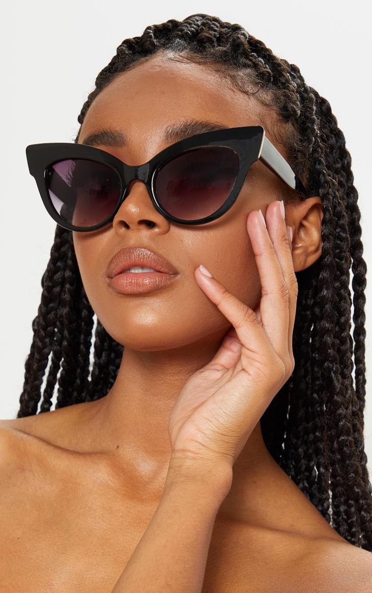 Black Extreme Cat Eye Retro Sunglasses 1