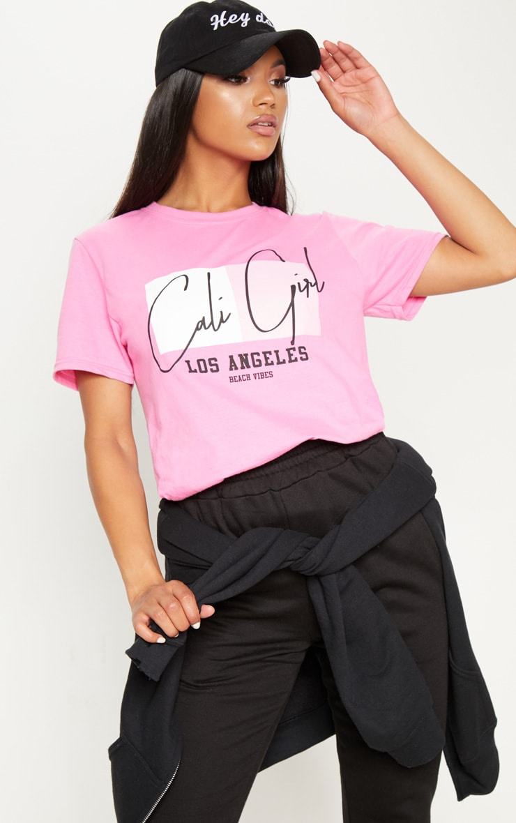 de gran Prettylittlething Cali Cali de de Slogan Girl Camiseta tamaño n1g8zwXq