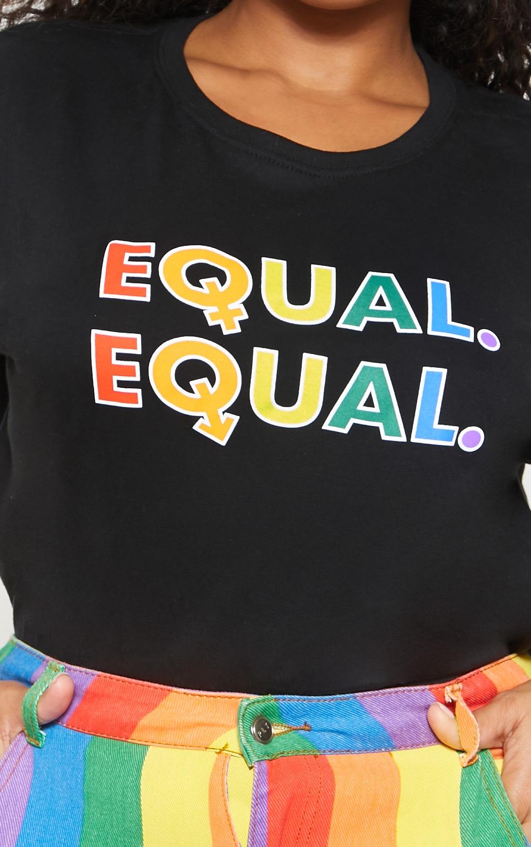 PLT Plus - T-shirt noir à slogan Equal 5