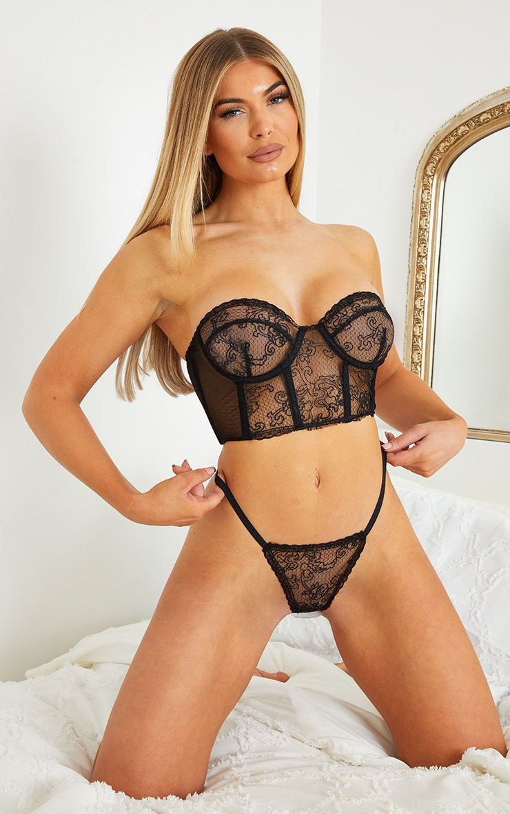 Black Underwired Strapless Embroidered Lace Lingerie Set 1
