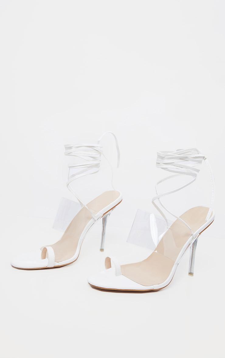 Sandales blanches à lacer avec talon transparent & bride orteil 3