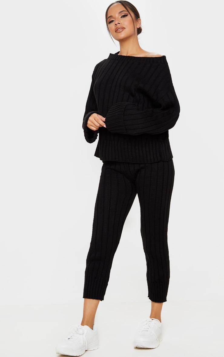 Ensemble lounge noir à pull qui dénude les épaules et legging  1
