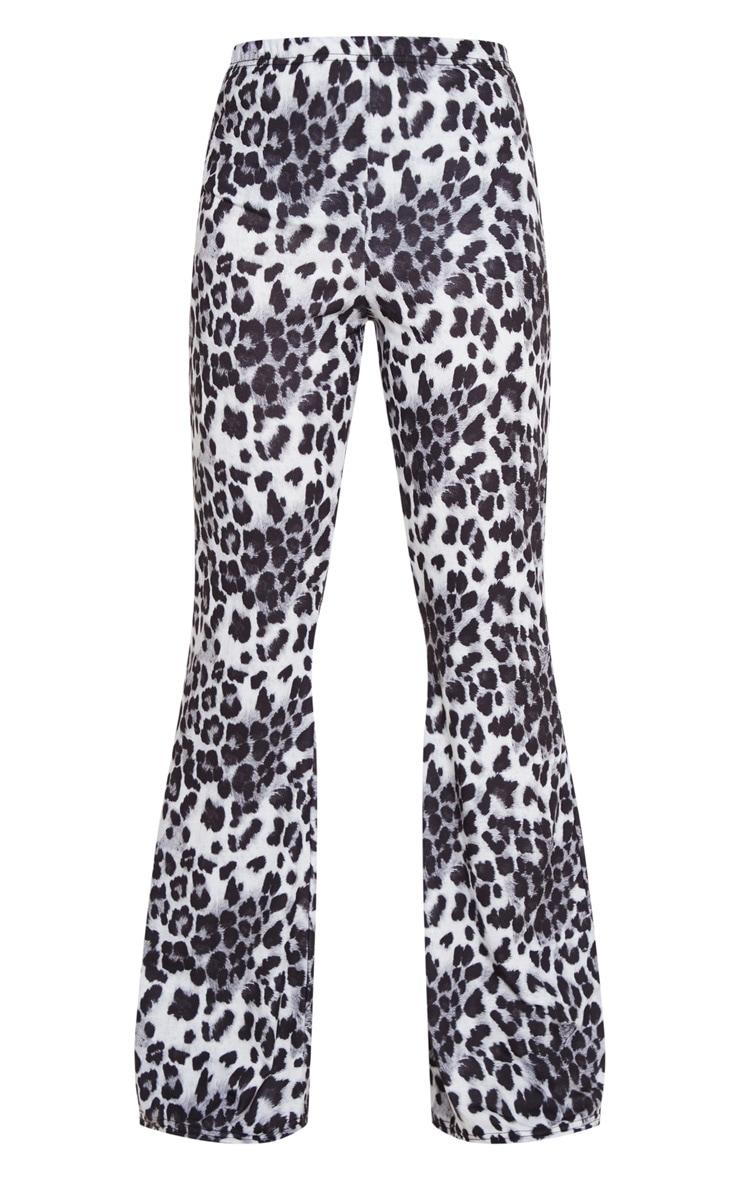 Pantalon flare à imprimé léopard gris 3
