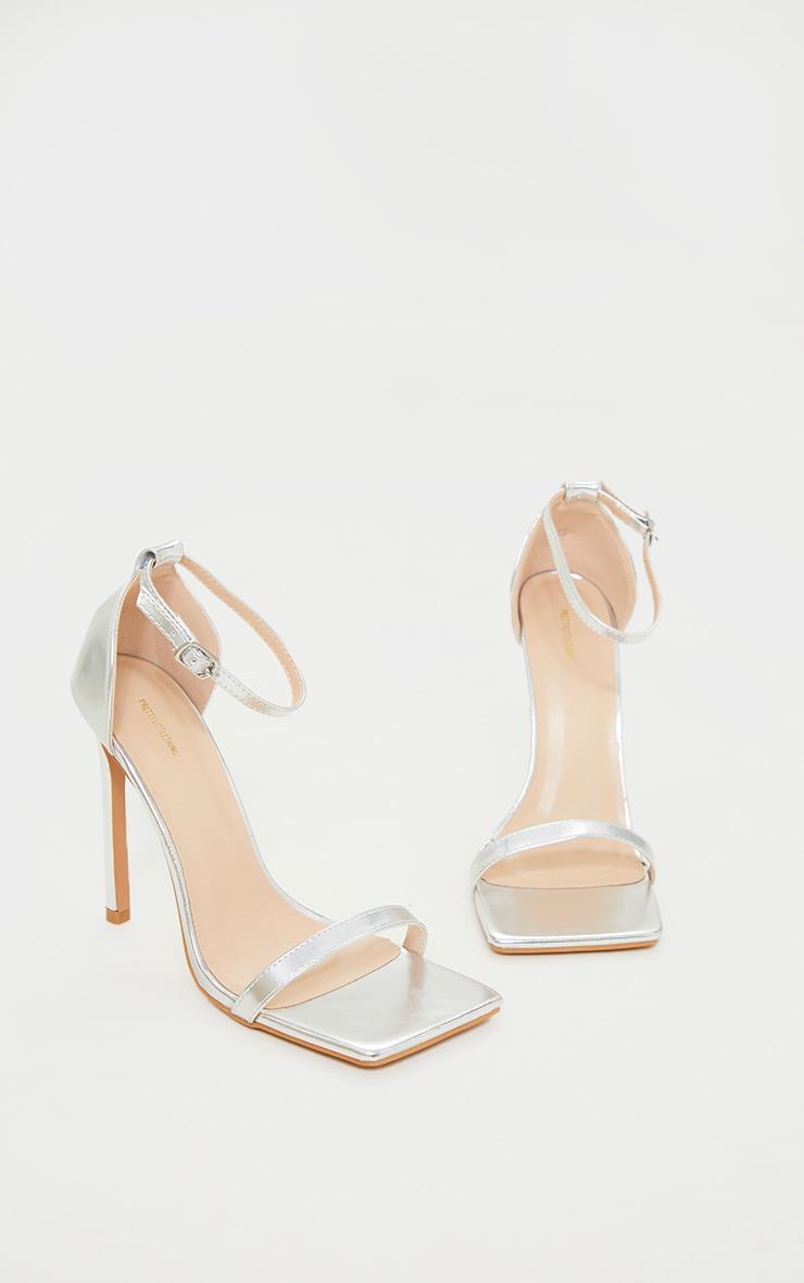 Sandales fines à lanières en similicuir argenté et talons 3