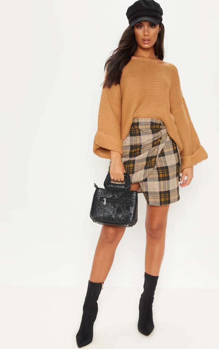 Pull ample camel. Pulls   PrettyLittleThing FR 6bc11336f3d0