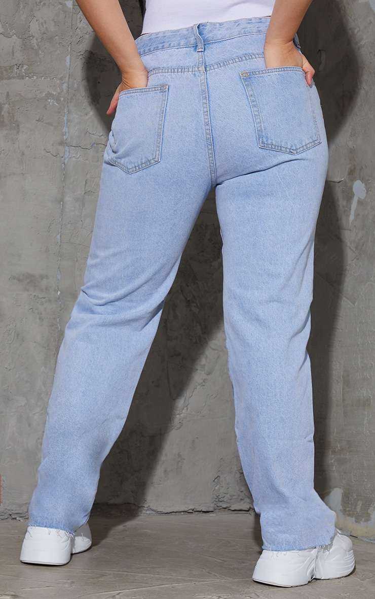 PRETTYLITTLETHING Plus Light Blue Wash Long Leg Straight Jean 3