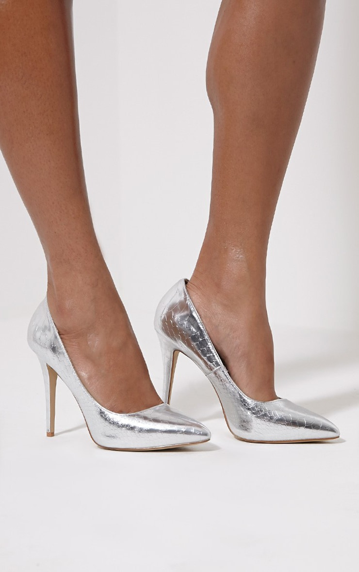 Lori Silver Metallic Snake Skin Pointed Court Heels 1