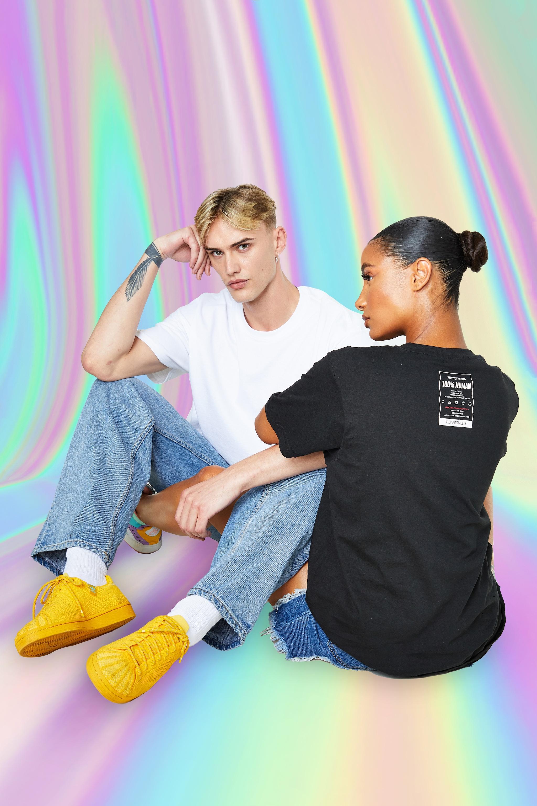 PRETTYLITTLETHING Black No Labels T-Shirt 3