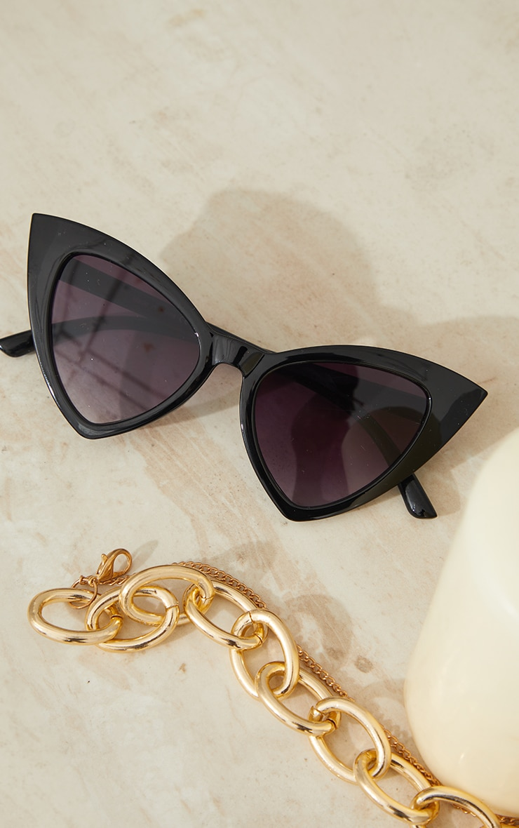 Black Extreme Cat Eye Sunglasses 3