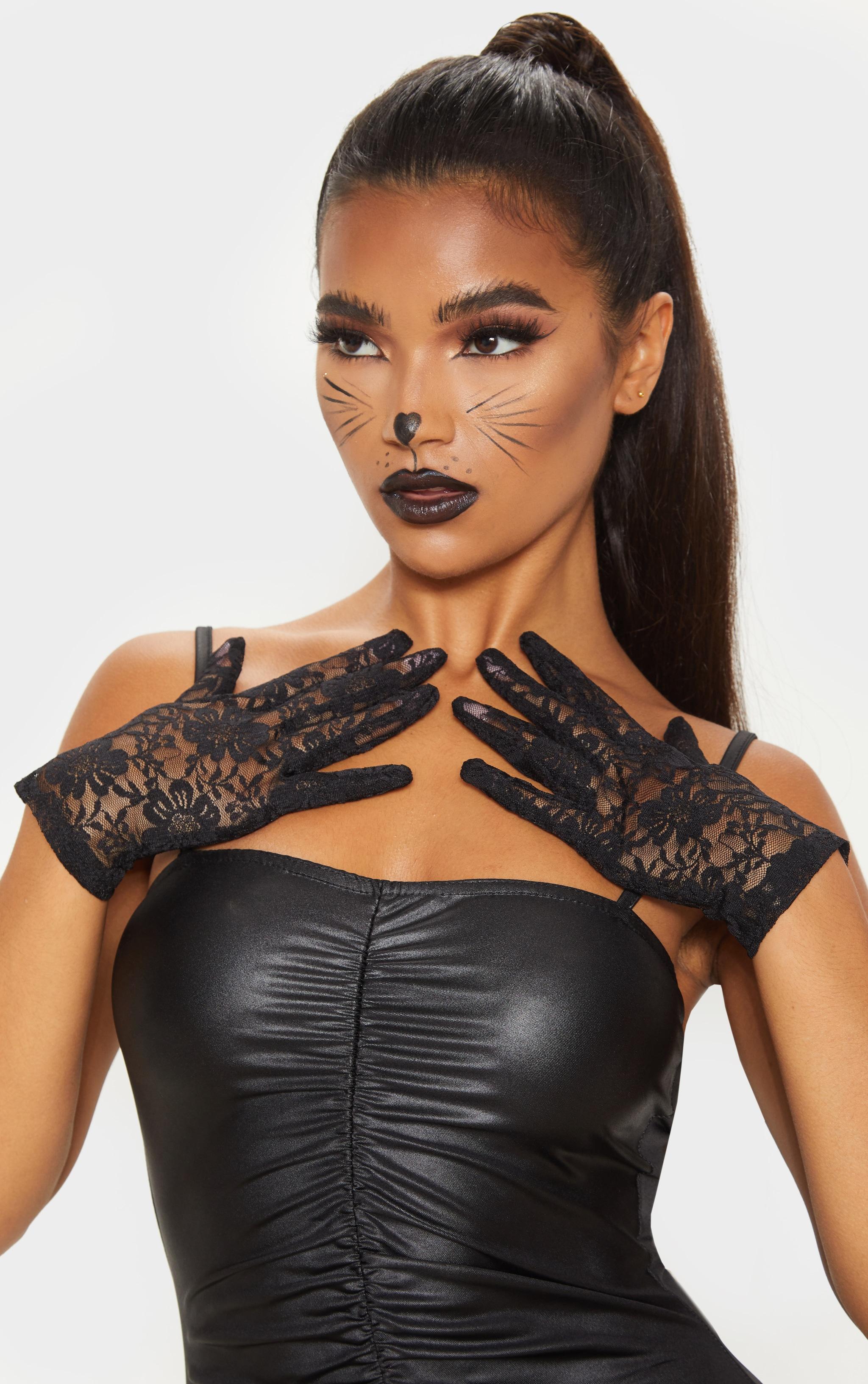 Black Short Lace Gloves 1