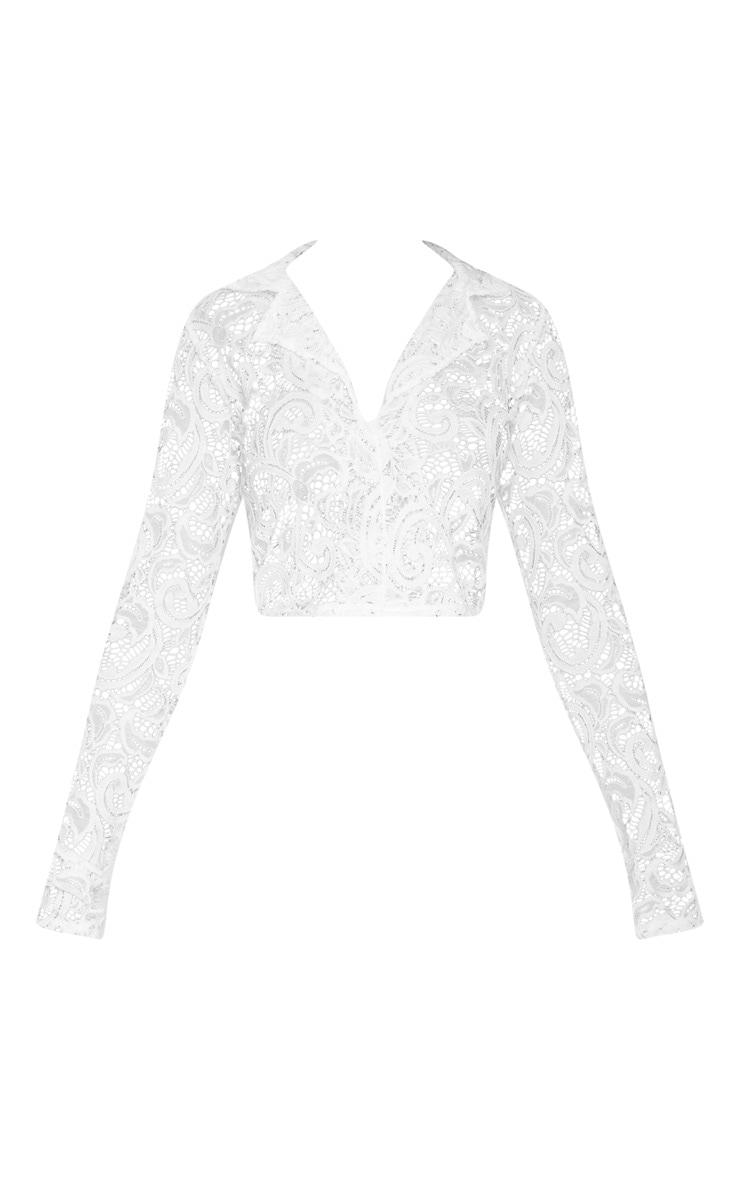 Mini-jupe fendue en dentelle blanche 3
