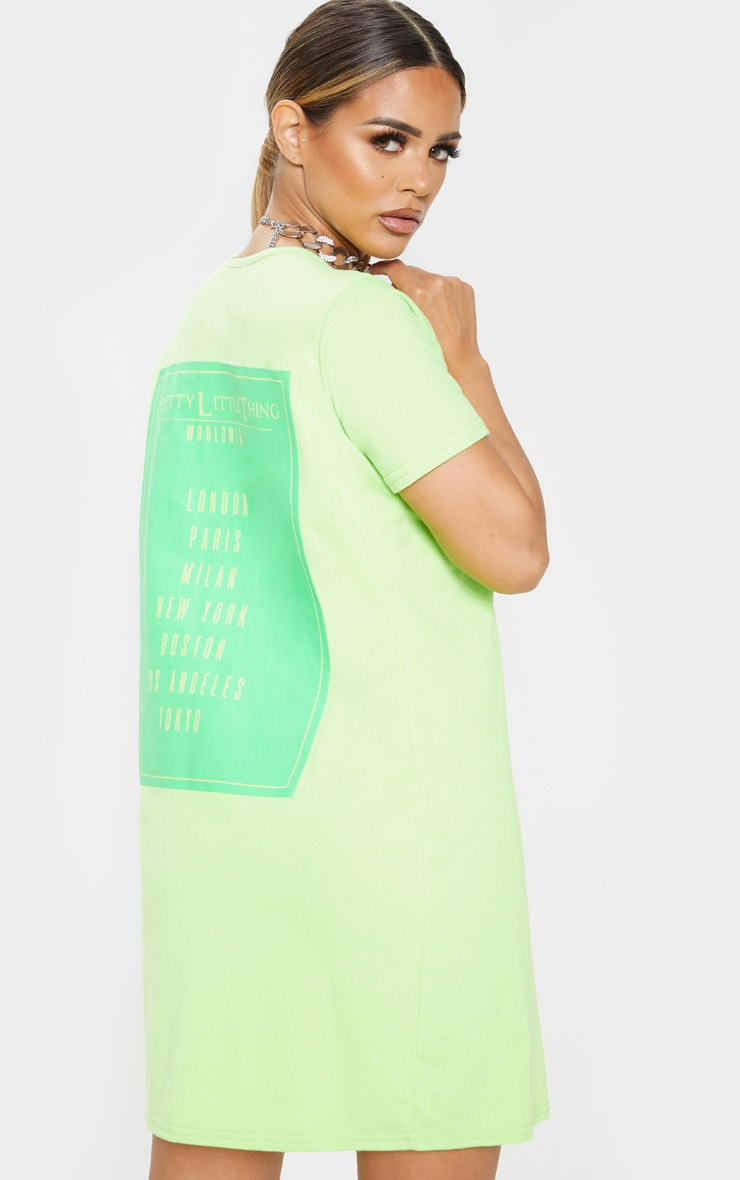 PRETTYLITTLETHING Petite Neon Green Worldwide T-Shirt Dress 2