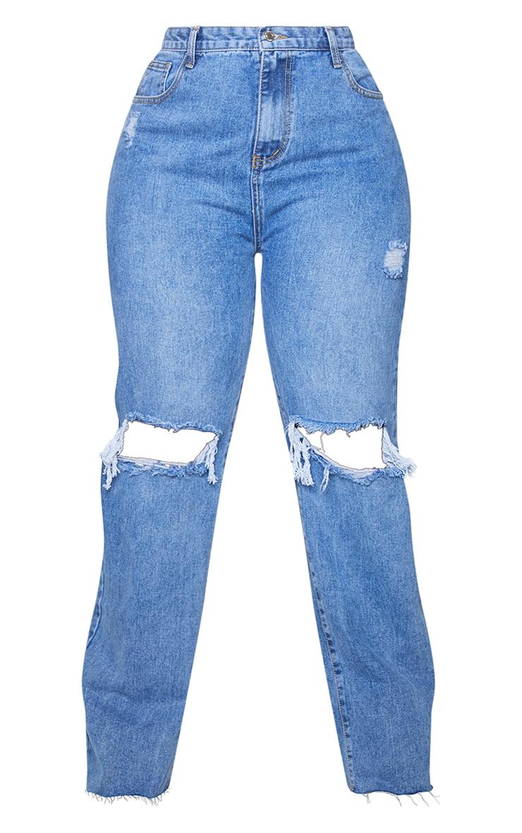 PRETTYLITTLETHING Plus Mid Blue Wash Distressed Long Leg Straight Jean 5
