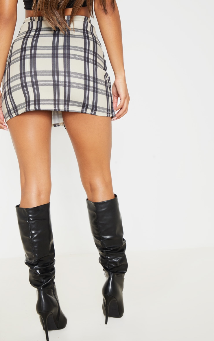 Stone Checked Button Skirt 4