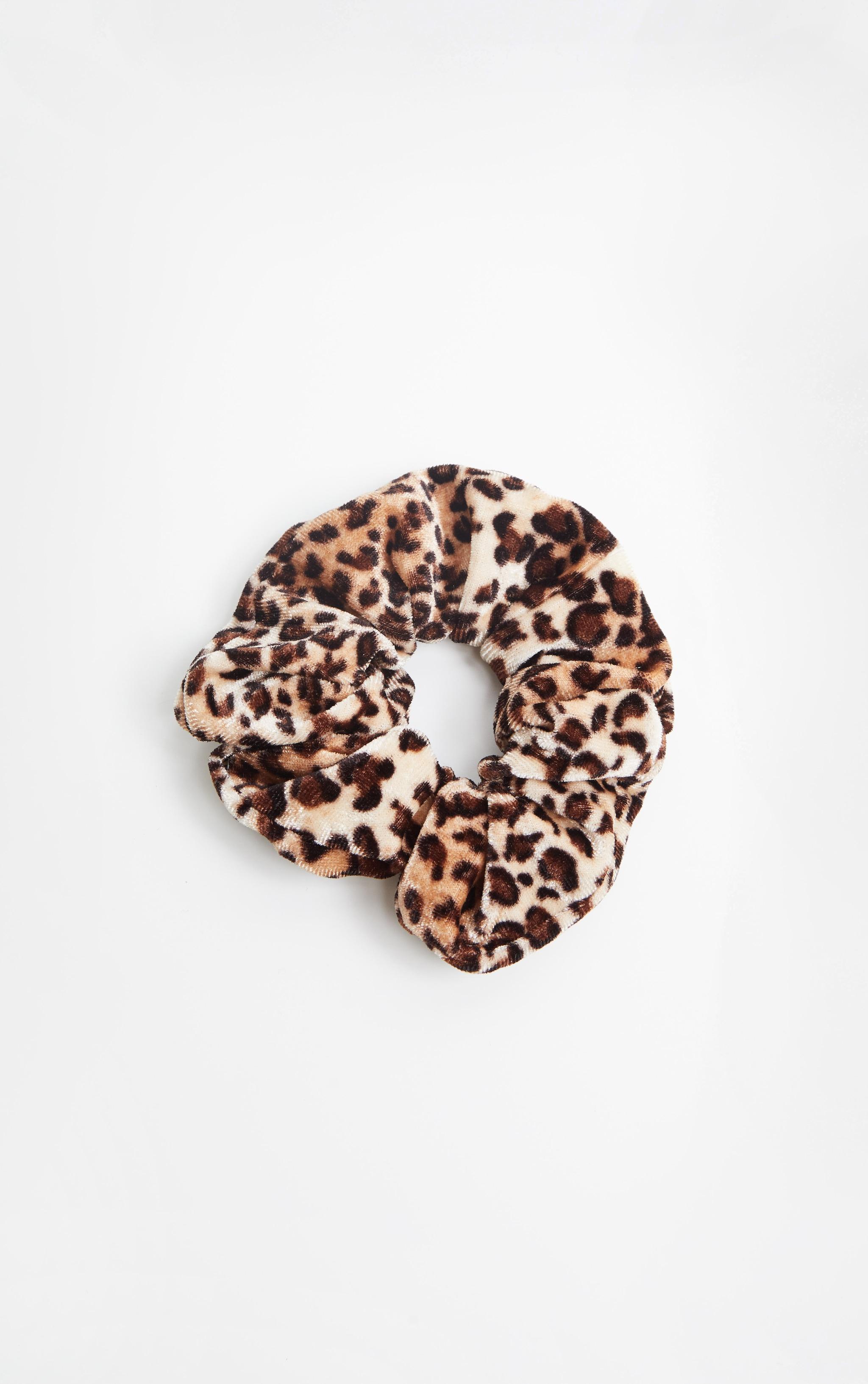 Cheetah Print Velvet Scrunchie 2
