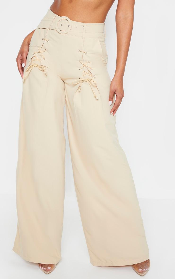 Pantalon en maille gris pierre à jambes évasées et détail ceinture 2