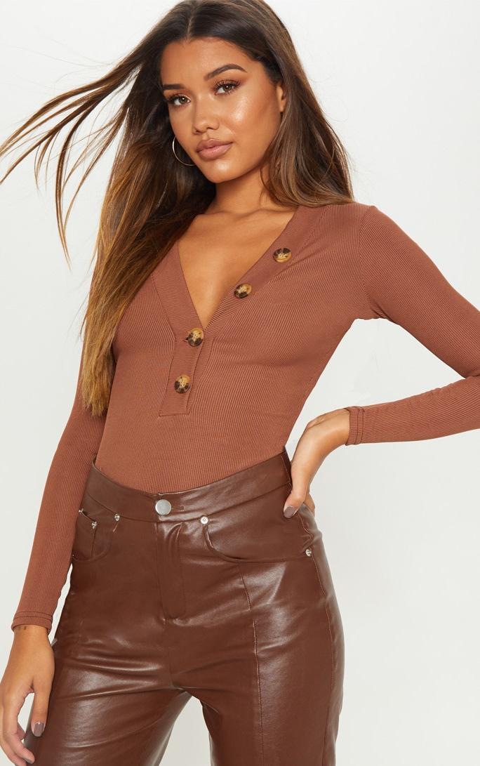 Top marron chocolat décolleté à manches longues et boutons 1