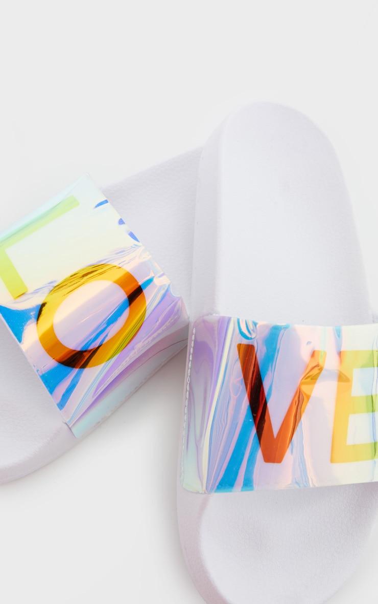 Claquettes blanches à slogan LOVE holographique 4