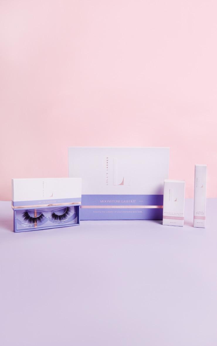 Lola's Lashes Moonstone Magnetic Eyelash Kit with Black Eyeliner 1