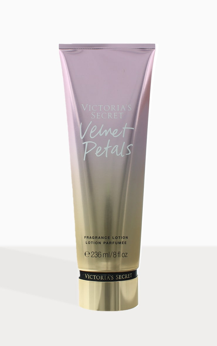 Victoria's Secret Velvet Petals Body Lotion 236ml 2