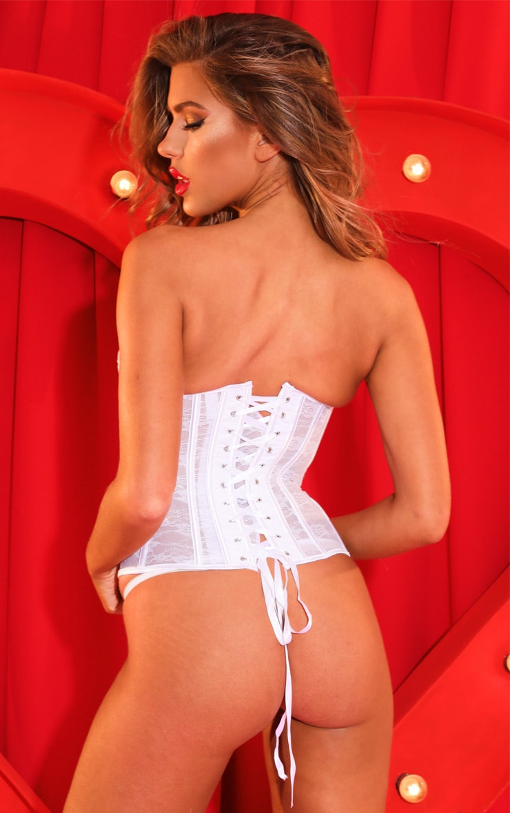 White Sweetheart Boned Lace Corset Set 2