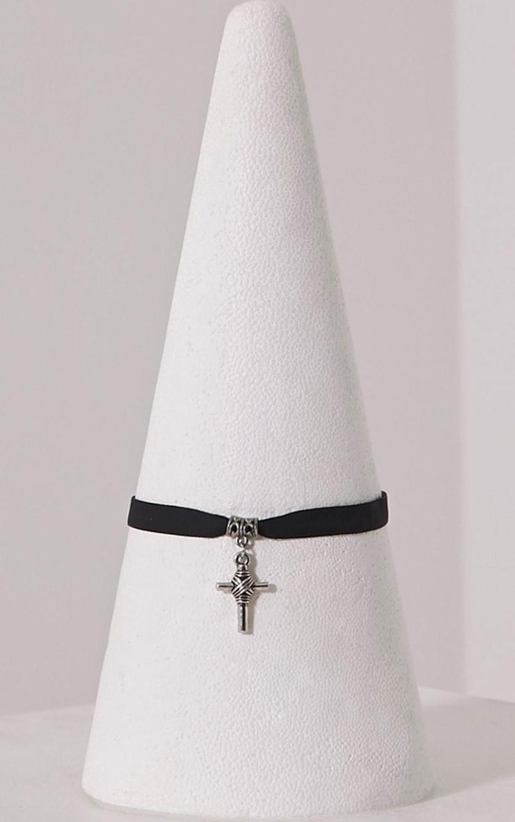 Lehanne Silver Cross Choker 1