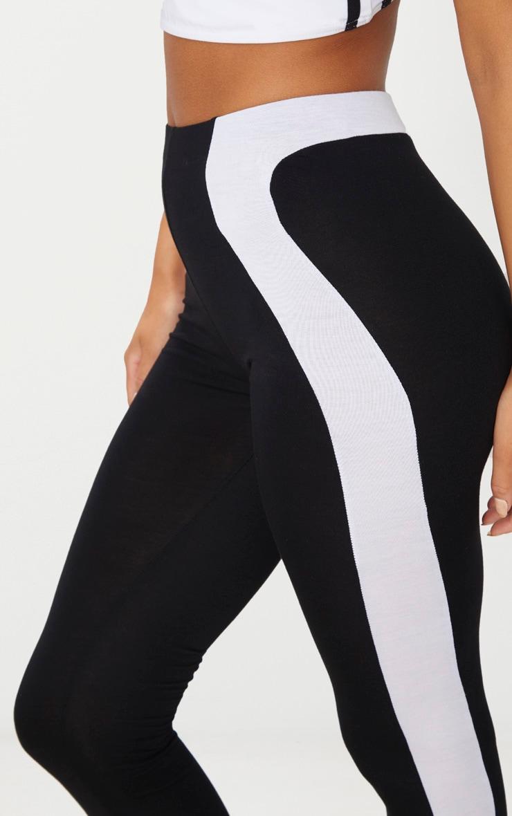 Black Curve Panel Detail Legging 5