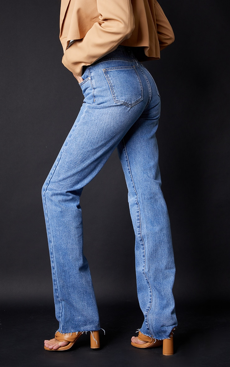 PRETTYLITTLETHING Tall Mid Blue Wash Long Leg Straight Jeans 3