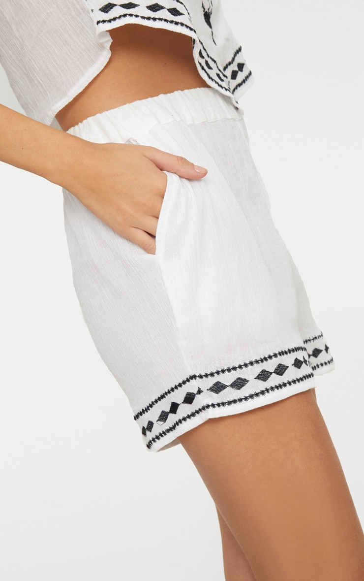 White Embroidered Stitch Detail Shorts 6