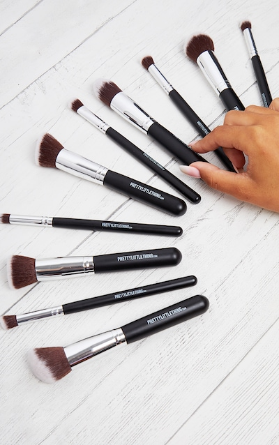 PRETTYLITTLETHING 10 Piece Kabuki Makeup Brush Set