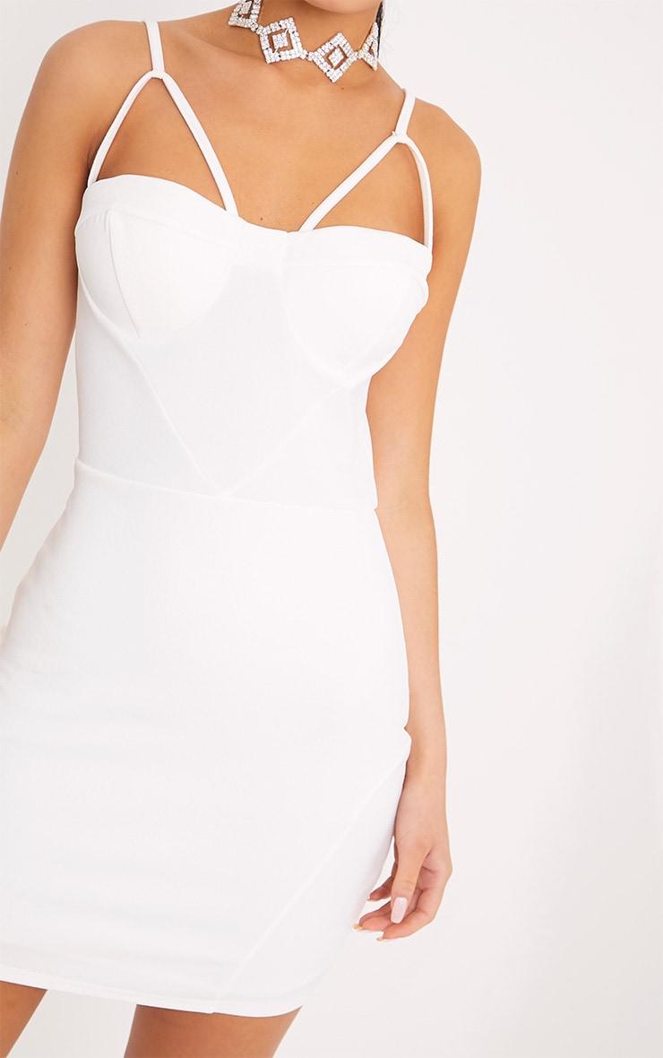 Carrie robe moulante blanche à empiècements en crêpe 5