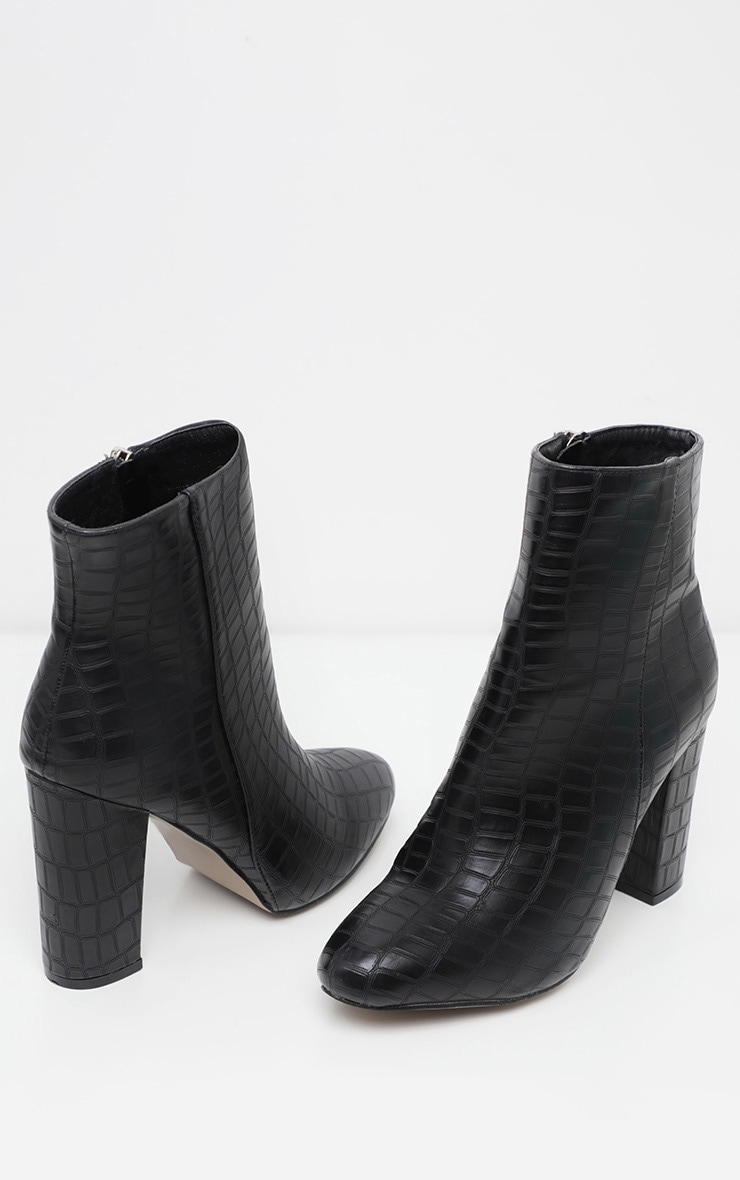Bottines croco noires pointure large 2