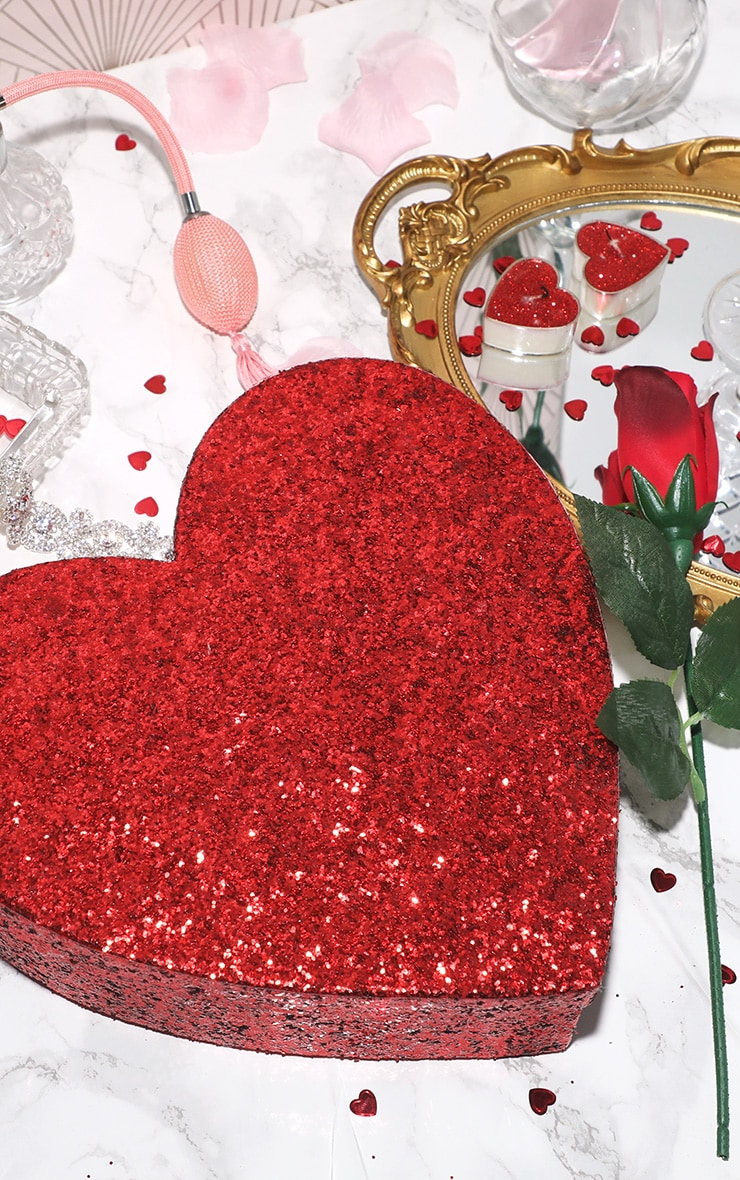 PAPERCHASE Large Glitter Heart Giftbox 1