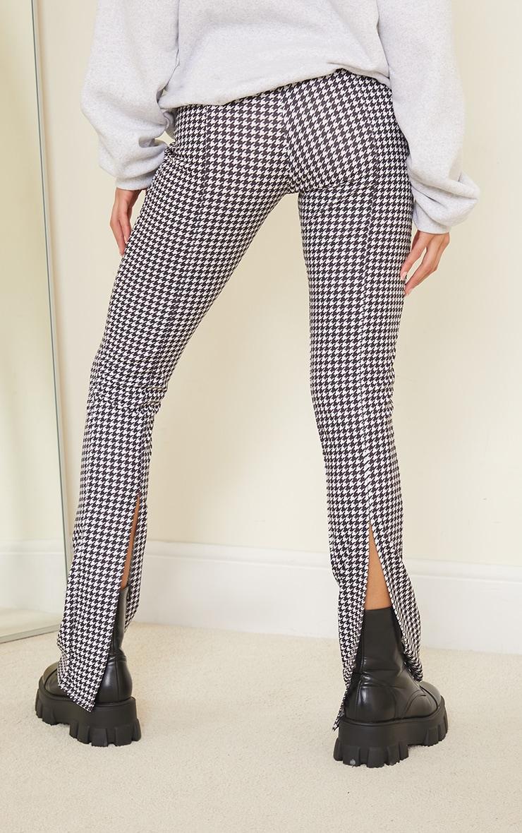 Pantalon skinny imprimé pied-de-poule noir à détail coutures et ourlet fendu derrière 3