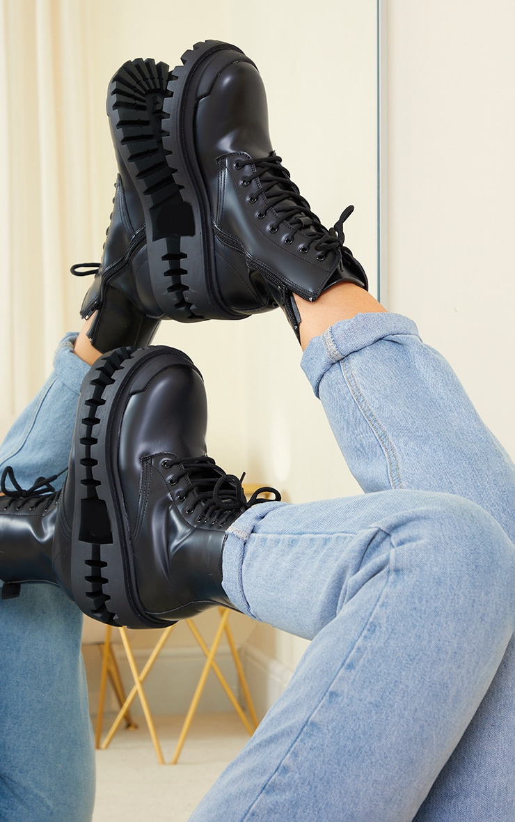 BLACK PU LACE UP EXTREME CLEAT BIKER ANKLE BOOTS
